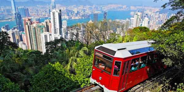 A vista para o horizonte de Hong Kong e do porto de Victoria Peak.