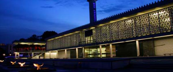 The National Mosque is the most important mosque in Malaysia.