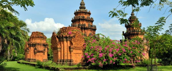 Ayutthaya was the capital of Siam for over 400 years, now it's only ruins.