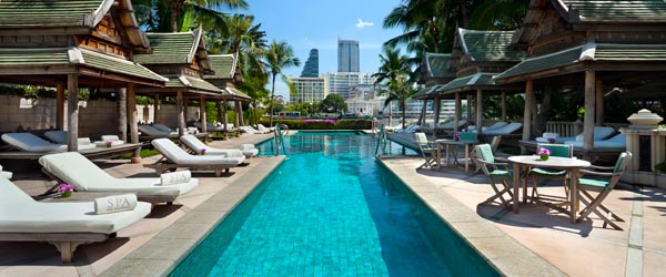 The stunning riverfront pool at the Peninsula Bangkok.