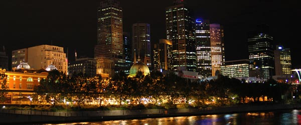 The skyline of downtown Melbourne.