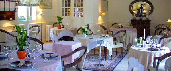 The small interior of the Michelin rated Le Bon Laboureur Restaurant.