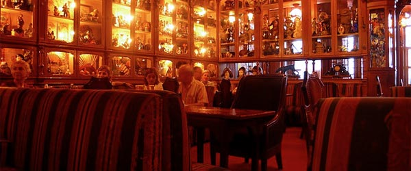 The Pavilhão Chinês bar with its quirky decor. Photo credit Hannah Donovan / Flickr CC BY 2.0