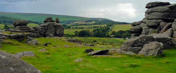 The wilderness of Dartmoor National Park. Photo credit Lewis Clarke / Wikimedia CC BY-SA 2.0