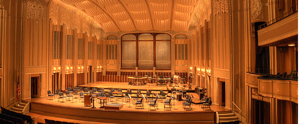 Inside the stunning Severance Hall, home to the Cleveland Symphony Orchestra. Photo credit Matt Shiffler CC BY-SA.