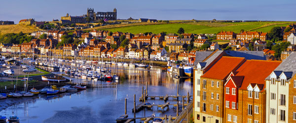 Whitby has a scenic position where the River Esk meets the North Sea.