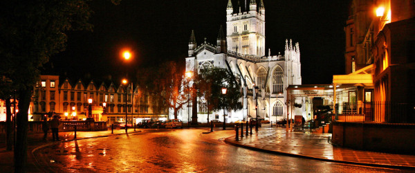 The tower of the still-active Bath Abbey is over 150 feet tall!