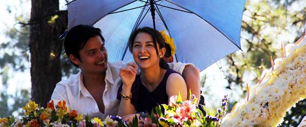 Filipino actor Dingdong Dantes on holiday with long-time girlfriend Marian Rivera. Jealous much?