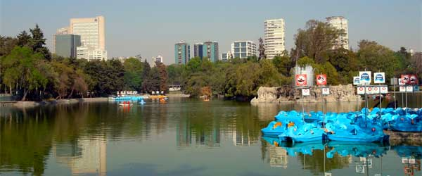 A small lake in Chapultepec Park. Photo by Matthew Rutledge via Flickr.