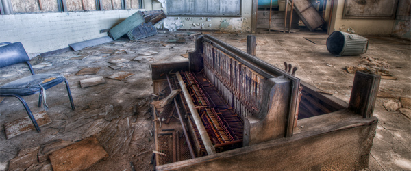 An old piano in Eagle Mountain High.