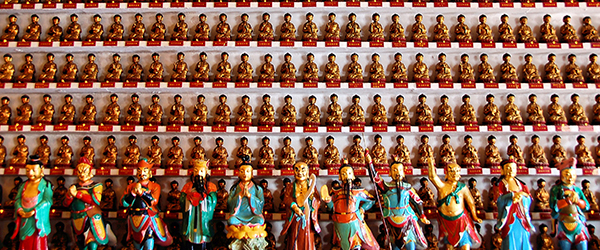 A look inside the Ten Thousand Buddhas Monastery in Sha TIn. Photo by by Justin Gaurav Murgai/Flickr.