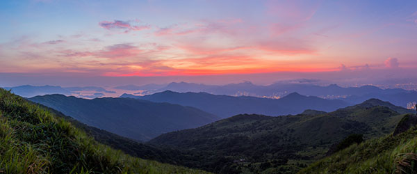The view from the peak of Ta Mo Shan. Photo by potaihse/Flickr.